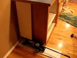 how to remove a kitchen countertop