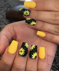 Christmas Hat Nail Design 50 Amazing Sunflower Nail Designs For Summer Page 6
