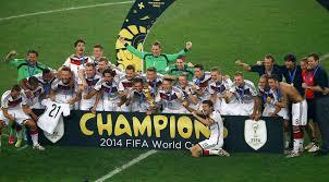 Auch wenn kramer vorzeitig runter musste, war der einsatz die krönung eines rasanten aufstiegs. Wm 2014 Sieg Im Finale Gegen Argentinien Deutschland Holt Den Wm Pokal Und Den Vierten Stern Sport Tagesspiegel
