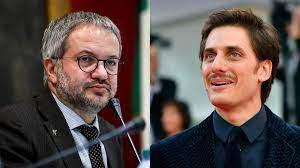 Anche Claudio Borghi contro la Coppa Volpi a Marinelli: «Fosse stato di  destra, quel premio non l'avrebbe vinto» - Open