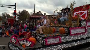 Anoka Light Up The Night Parade 2017 Halloween Capitol Of The World Anoka Gears Up For Halloween