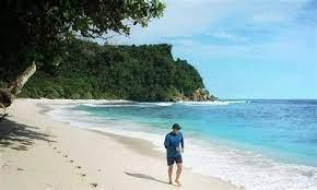 Kesatuan penjagaan laut dan pantai republik indonesia (kplp) merupakan badan penegakan hukum di bawah direktorat jenderal perhubungan laut, kementerian perhubungan republik indonesia yang bertugas mengamankan pelayaran di indonesia. Fyrqwn0peb Rym