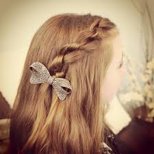 Hairstyles For School Step By Step Knot Braid Literally Just Tying Knots In Your Hair And It Looks