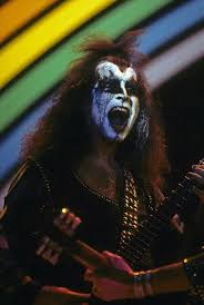 gene simmons kiss 70s. vintage kiss, gene simmons, hot band, army, weird . simmons kiss 70s