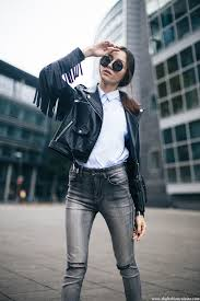 how to wear a black fringe leather jacket in fall