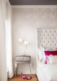 Damask Wallpaper Bedroom Ideas 2