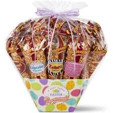 give them this amazingly generous easter popcorn gift basket includes an incredible array of deliciousness each gourmet popcorn