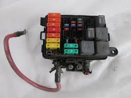 04 05 gmc c5500 topkick 8 1l v8 gas under hood fuse box fusebox