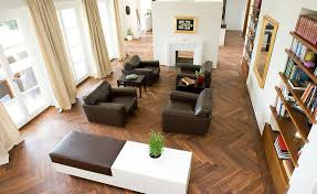 Herringbone hardwood floors Floor Installation Homedit How To Always Make The Most Of Your Herringbone Floors