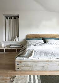 interior: Cool Pallet Bed Ideas Which Is Decorated With White And Green  Accents On It