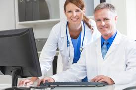 5 reasons you need healthcare only it support tier3md male female hospital doctors using computer