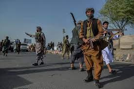 """اشتبكات بين """"طالبان"""" والجيش الأفغاني قرب مطار هرات"""