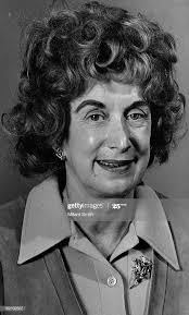 SEP 28 1971, 8-23-1974; Mrs. Gwen Sampson, Graphologist; News ...