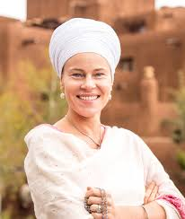 a dom is the co author of enlightened bos exploring physical and subtle human anatomy she is a kundalini yoga teacher and professional trainer