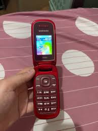 Samsung E1272 Flip Phone (Red), Mobile ...