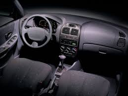 HYUNDAI Accent 5 Doors specs - 1999, 2000, 2001, 2002, 2003 ...