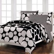 Polka Dot Bedroom Bedroom Decor Ideas And Designs Top Ten Polka Dot Bedding For Girls