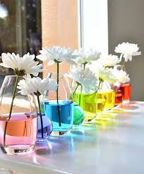 Аранжировките са направени в различни цветове, а основен акцент във всички декорации, разбира се, са великденските яйца. Prozorec Dekoraciya Velikden Krasivi Idei Za Velikden