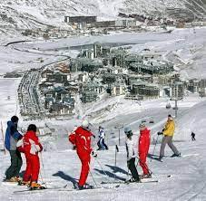 Ski in Frankreich: In Tignes darf auch das Auto Urlaub machen - WELT