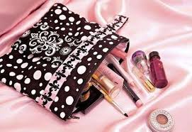 featured with small dots and embroidery pattern this makeup bag is delicate and beautiful the size of bag is big enough to place your nail polish