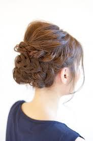 ミディアムの女性にオススメな結婚式の髪型知っておくべき髪型に関する