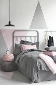 Behang Slaapkamer Pastel Meidenkamer Met Behang Van Roomblush En
