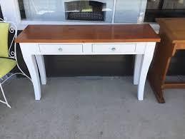 O Hall Table