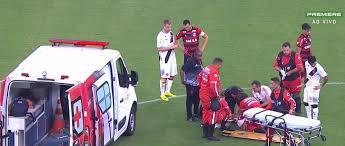 Resultado de imagem para ambulância no gramado