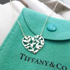 tiffany paloma picasso olive leaf heart necklace pe 803 01220 tiffany sterling silver leaves heart pendant