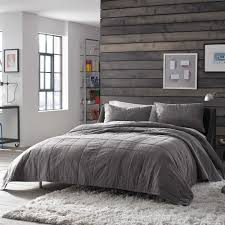 Master Bedroom Bedding Sets Master Bedroom Bedding Set Relaxed And Casual Kenneth Cole