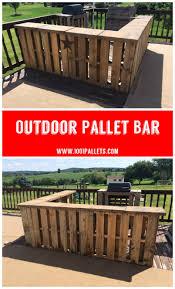 an l shaped pallet bar for a deck