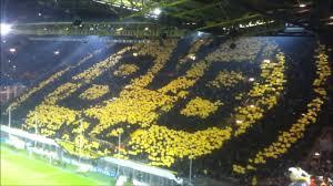 BVB Südtribüne Choreo - Borussia Dortmund vs, Manchester CIty 1:0 - 04.12. 2012 - Champions League - YouTube