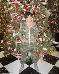 christmas decorations office kims. Battle Time: On Thursday All Seemed Fine With Jenner As She Posed In Front Of Christmas Decorations Office Kims