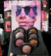 mac cosmetics grand duos display