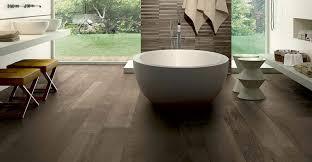 Keramikfliesen Naturstein Und Betonelement Für Ihr Badezimmer
