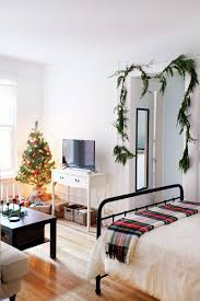 decorating my apartment. Fine Apartment Studio Apartment  Holiday Decorating On A Budget Layout  How To Decorate Small Space  In Decorating My Apartment T