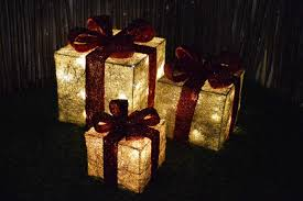 3 Light Up Christmas Boxes Set Of 3 Led Battery Powered Light Up Christmas Present Boxes Gold W Red Bow