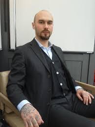 Tatuaggi Misticismo E Pistole Leducazione Siberiana Di Nicolai Lilin