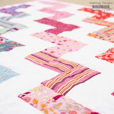 Free Zig Zag Quilt Pattern and Tutorial - Scattered Thoughts of a ... & how to sew zig zags Adamdwight.com