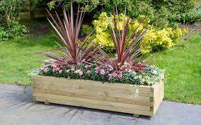 elite wooden planter range