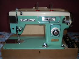 Fleetwood Sewing Machine With Table