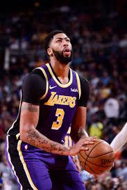 Photos: Lakers vs Suns (11/12/19)