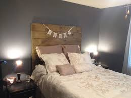 picture of simple wooden headboard