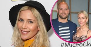 The former big brother winner, 40, was admitted to hospital this week after her waters broke 11 days early. Kate Lawler Announces She S Pregnant With First Child With Fiance Martin