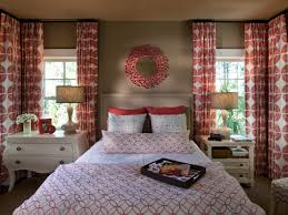 Interior:Decorate A Perfect Guest Room With Red And White Color Scheme Also  Unique Wall