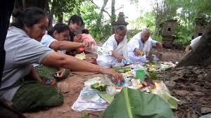 บุญข้าวสาก บ้านสำราญ หมู่ที่ 4 ตำบลโนนธาตุ 20 กันยายน 2560 ข้อมูลโดย  คนอีสาน part 4 - YouTube