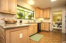 light maple cabinets best color granite for maple cabinets about elegant home design com best color light maple cabinets