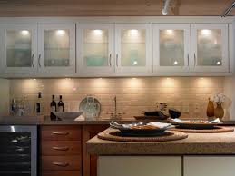 Kitchen Counter Lighting How To Make A Beautiful Lighting On The Wall Kitchen Cabinets