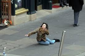This Scarlett Johansson Falling Down Meme Is So Funny (45 pics ... via Relatably.com