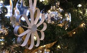 Paper Flower Christmas Tree Making Paper Flowers Decorated Christmas Tree 48683 News And Events